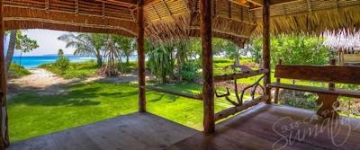 Uma deck and surrounding garden