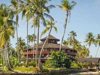 The mighty Macaronis Resort