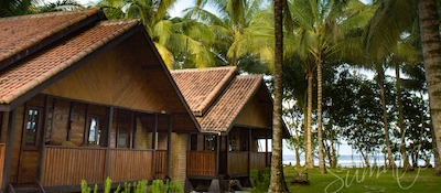 Private bungalows at Sumatra Surf Resort