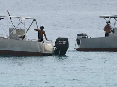 These 2 speedboats are available all day every day