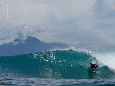 An amazing body boarding wave