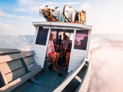 Max 6 guests per speedboat