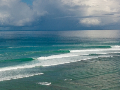 Rifles is the mentawai islands best right hander