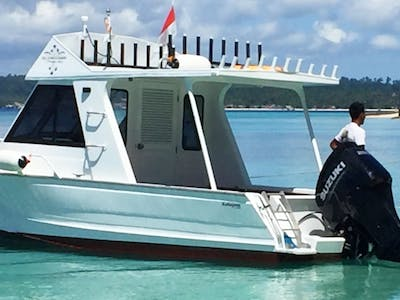 Ratu Ombak is a brand new boat fitted with a 250 hp Suzuki outboard
