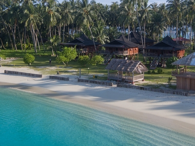 The perfect family surf resort