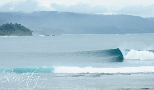 Jennys Right surf break Sumatra