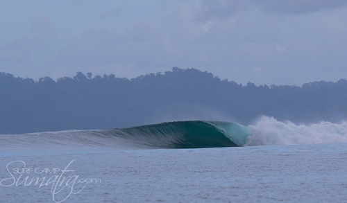 Shortys surf break Sumatra