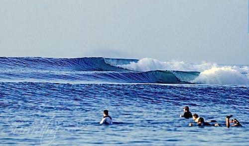 Tantang surf break Sumatra