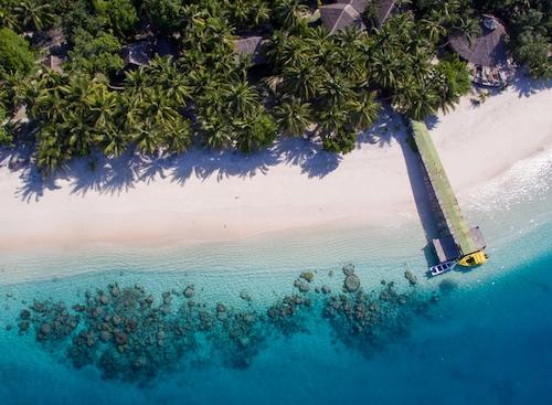 Aloita Resort Surf Camp