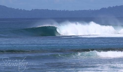 Camel Backs surf break Sumatra