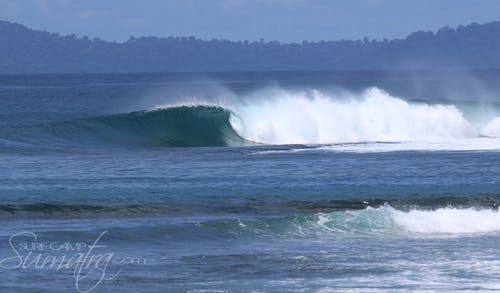 Camel Backs surf break Sumatra