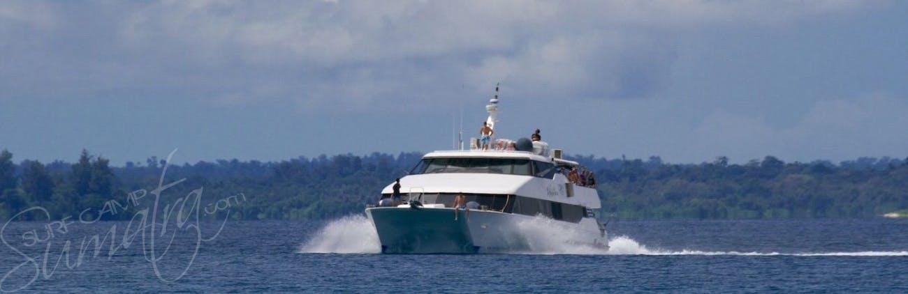 A high speed catamaran