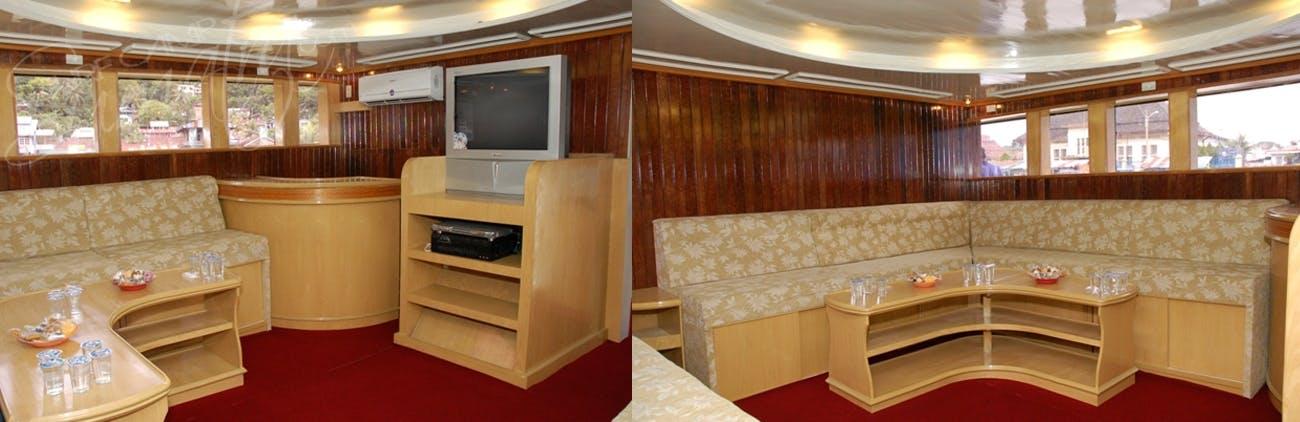 Separate interior lounge