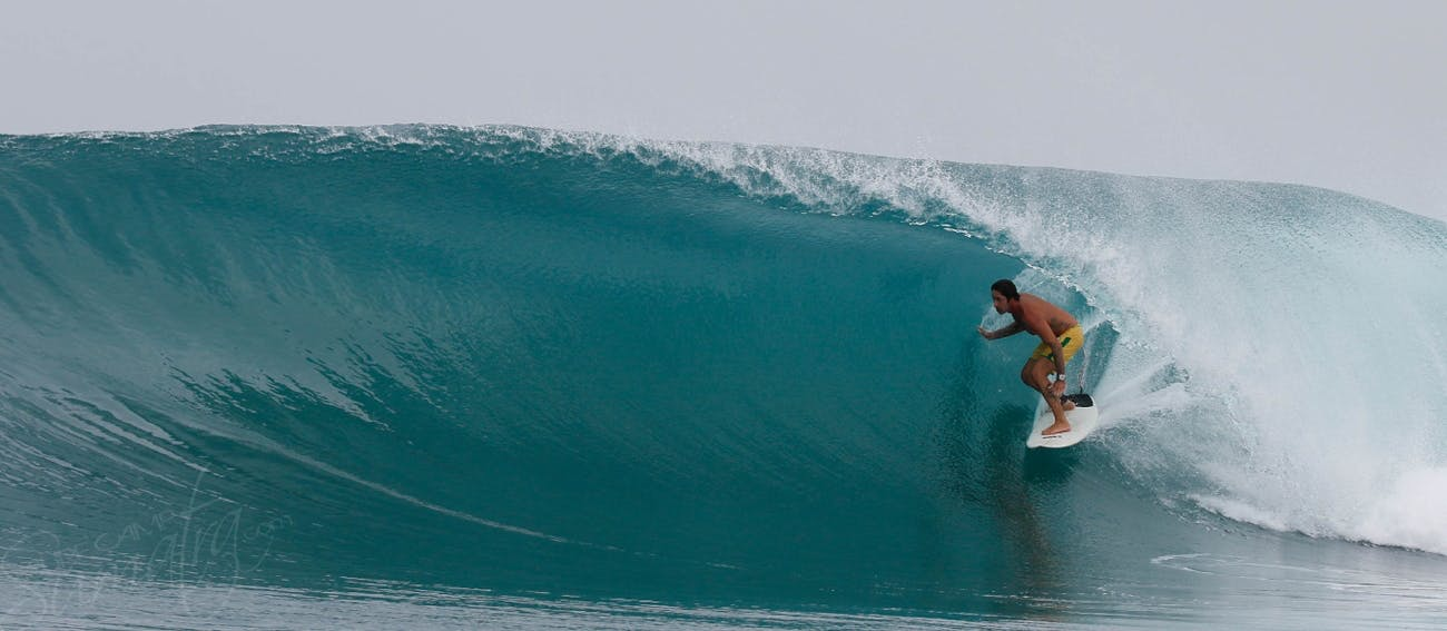 Your surf guide setting a line