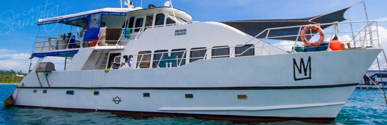 The King Millenium 2 surf charter