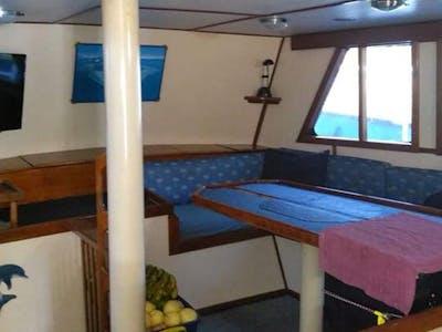 Interior Orca Laut