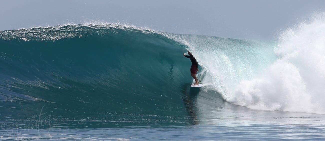 surfing sumatra telo