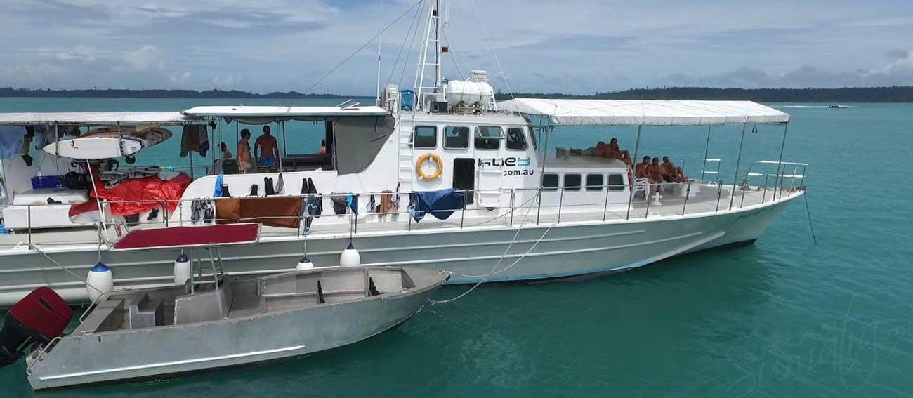 surf charter boat mentawais